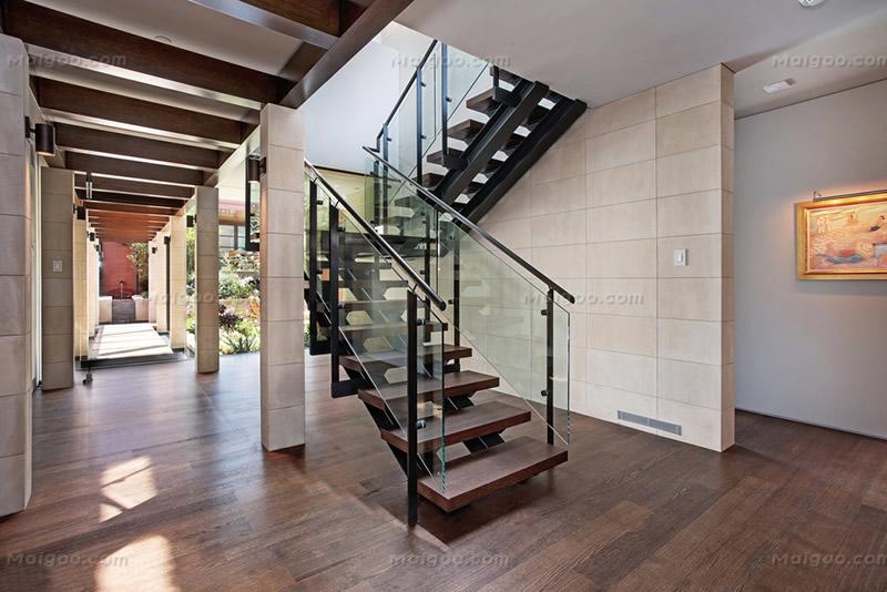 现代简约楼梯效果图大全 现代简约楼梯间装修效果图图片