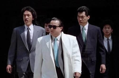 香港电影明星大佬_盘点香港电影十大经典黑帮大佬 香港电影里的十大经典